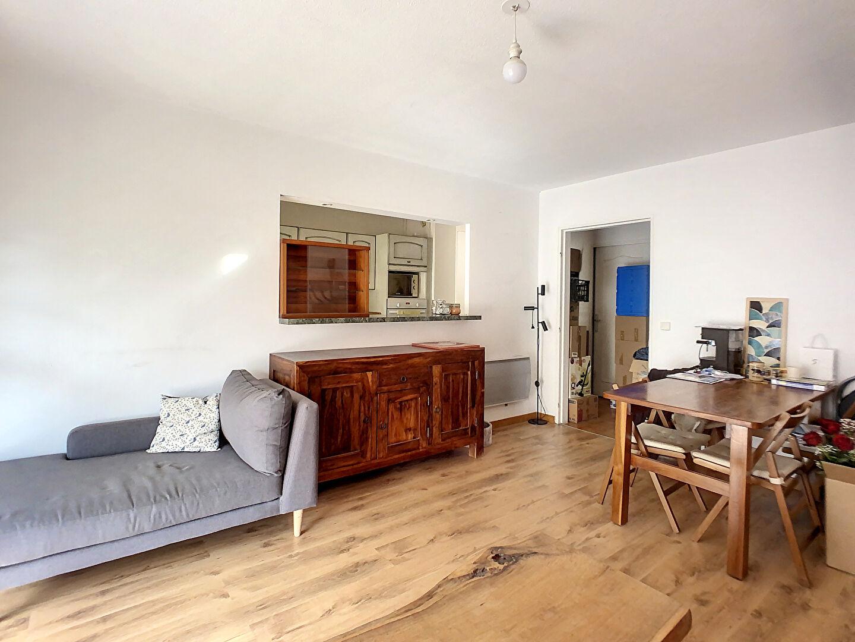 immobilier marseille a louer locati appartement marseille 13013 3 pi ce s. Black Bedroom Furniture Sets. Home Design Ideas