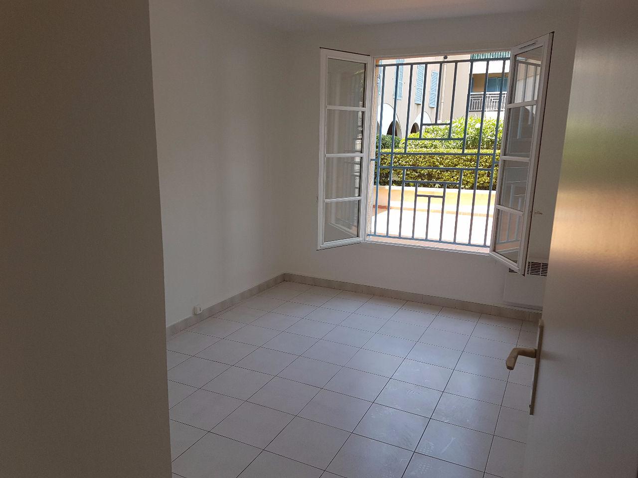 immobilier allauch a vendre vente acheter ach appartement allauch 13190. Black Bedroom Furniture Sets. Home Design Ideas