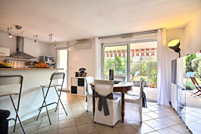 Vente appartement type 4 Marseillle 13013 St Jérôme/St Mitre rez de jardin terrasses garage place de parking privée