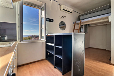 A Ventre Appartement Type 1 de 24m²  à Marseille 13004