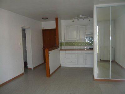 Immobilier marseille a louer locati appartement for Garage a louer marseille 13012